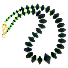 "Gemjunky Art Deco Collection Black Onyx &Sparkling Green Crystal 17.25"" Necklace"