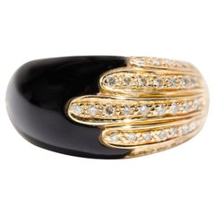 Black Onyx and Round Brilliant Diamonds 18 Carat Yellow Gold Vintage Dome Ring