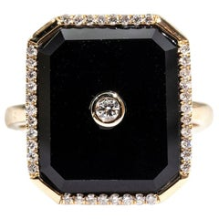 Black Onyx and Round Diamond 9 Carat Yellow Gold Vintage Ring