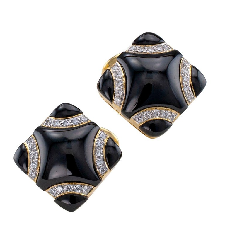 Black Onyx Diamond Gold Cufflinks In Good Condition For Sale In Los Angeles, CA