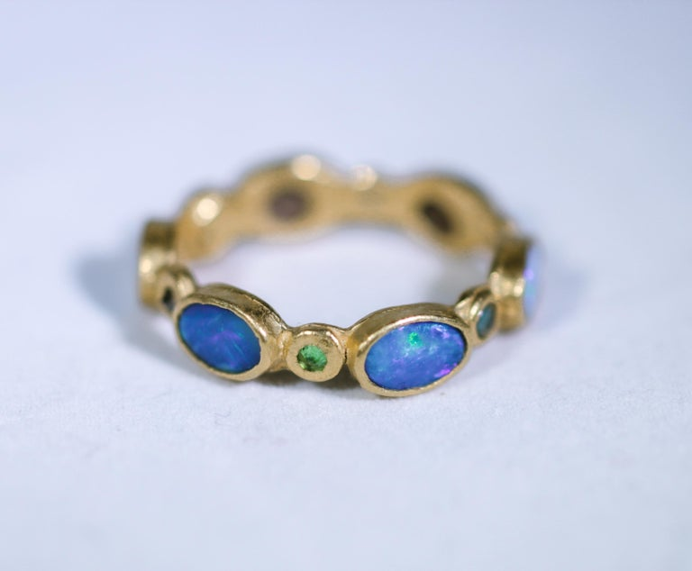 Women's or Men's Black Opal Diamonds and Sapphires 22 Karat Gold Band Fashion Ring For Sale