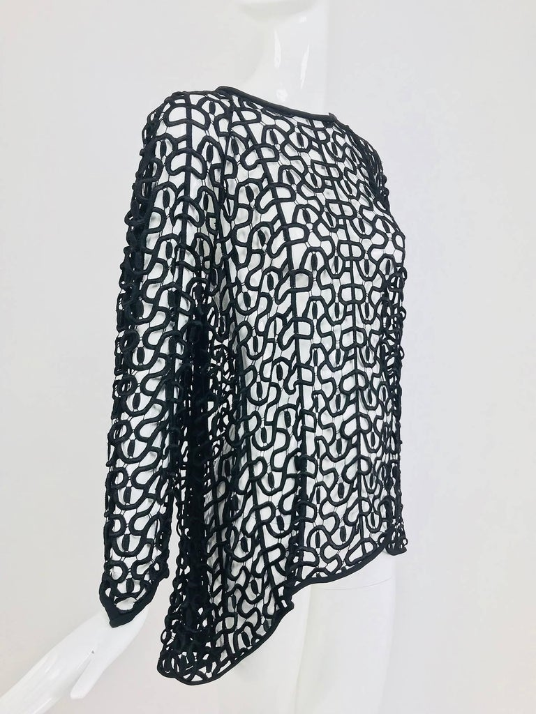 Black open work embroidered top In Excellent Condition For Sale In West Palm Beach, FL