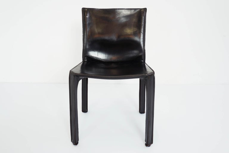 Black Patina Leather Mario Bellini Cassina Set of 2 Chairs Mod. CAB 412, Italy In Good Condition For Sale In Morbio Inferiore, CH