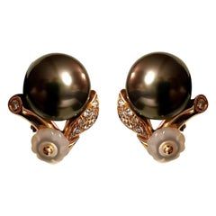 Black Pearl Diamond on Yellow Gold 18 Karat Ear Clips Earrings