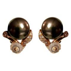 Black Pearl Diamond on Yellow Gold 18 Karat Ear Clips Earrings