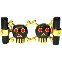 Black Red Hand Enameled Skull Shaped Onyx Back 18 Carat Yellow Gold Cufflinks