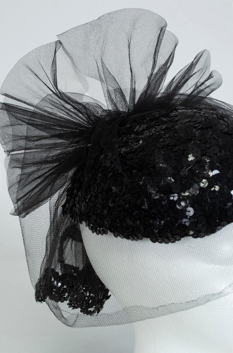 Black Sequin Cocktail Hat with Cage Veil, 1950s For Sale 2