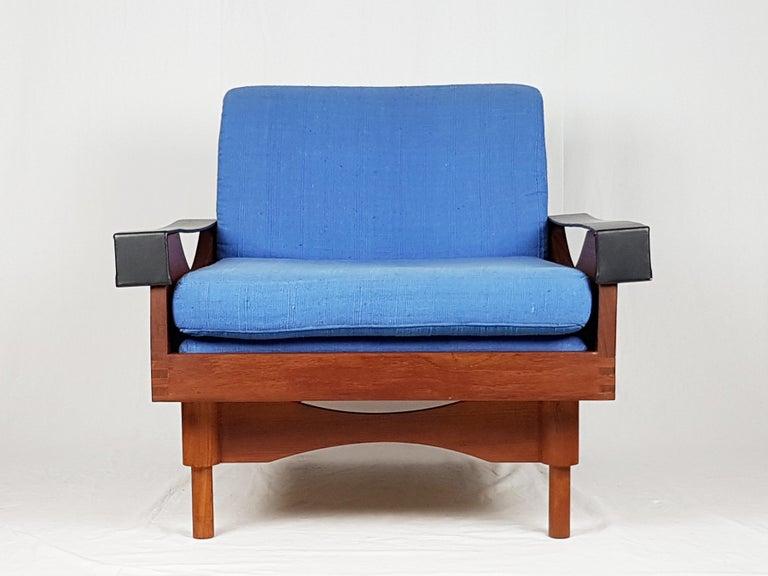 Black Skai Teak & Blue Cushioned 1960s Armchairs by F.Lli Saporiti(Attr to) For Sale 3