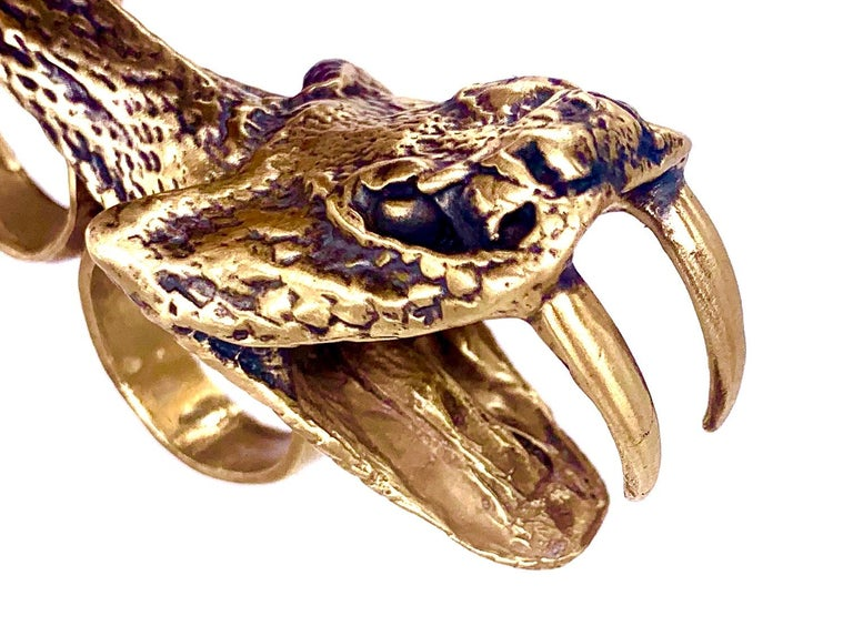 18K Gold-plated yellow brass double-finger snake head ring.