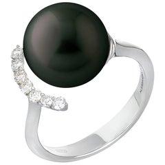Black South Sea Pearl, Diamonds G/VS 0.23 Carat on White Gold 18 Karat Ring