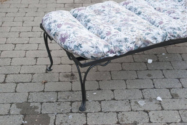 Black Steel Patio Chaise Longue In Good Condition For Sale In Great Barrington, MA