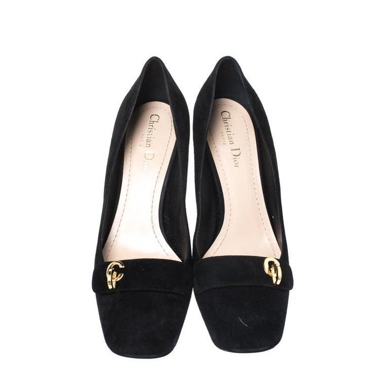 Black Suede C'est Dior Block Heel Pumps Size 39 In Good Condition For Sale In Dubai, Al Qouz 2