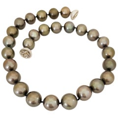 Black Tahitian Pearl Strand Plat. Diamond 4.58 Carat Ball Clasp