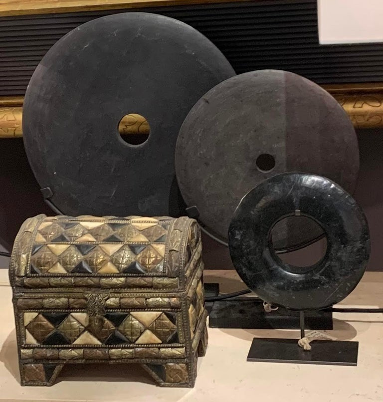 Black Thick Ring Sculpture, Contemporary, China In New Condition For Sale In New York, NY