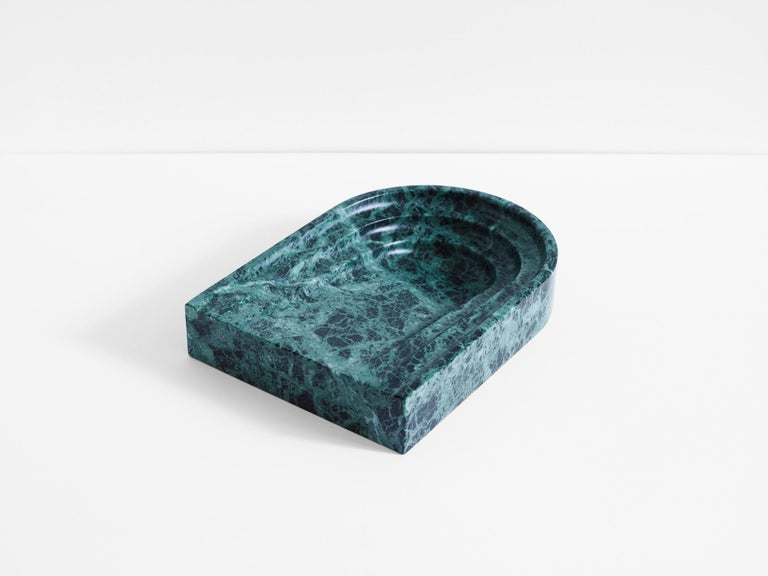 Black Travertine Stone Dish by Henry Wilson In New Condition For Sale In Geneve, CH