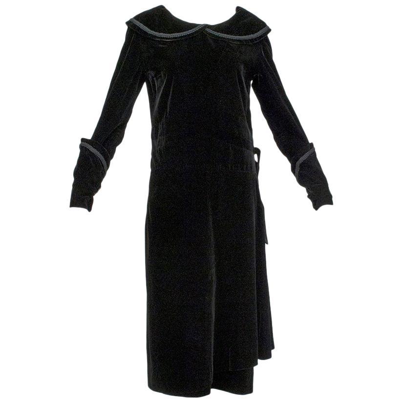 Black Velvet Bonwit Teller Modesty Ladies' Maid Art Deco Day Dress - S, 1930s