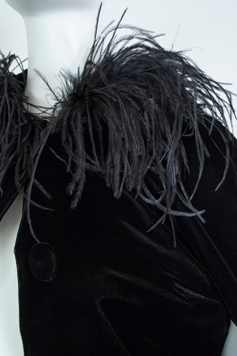 Black Velvet Full-Length Cloak Cape with Ostrich Feather Hood – S, 1960s For Sale 6