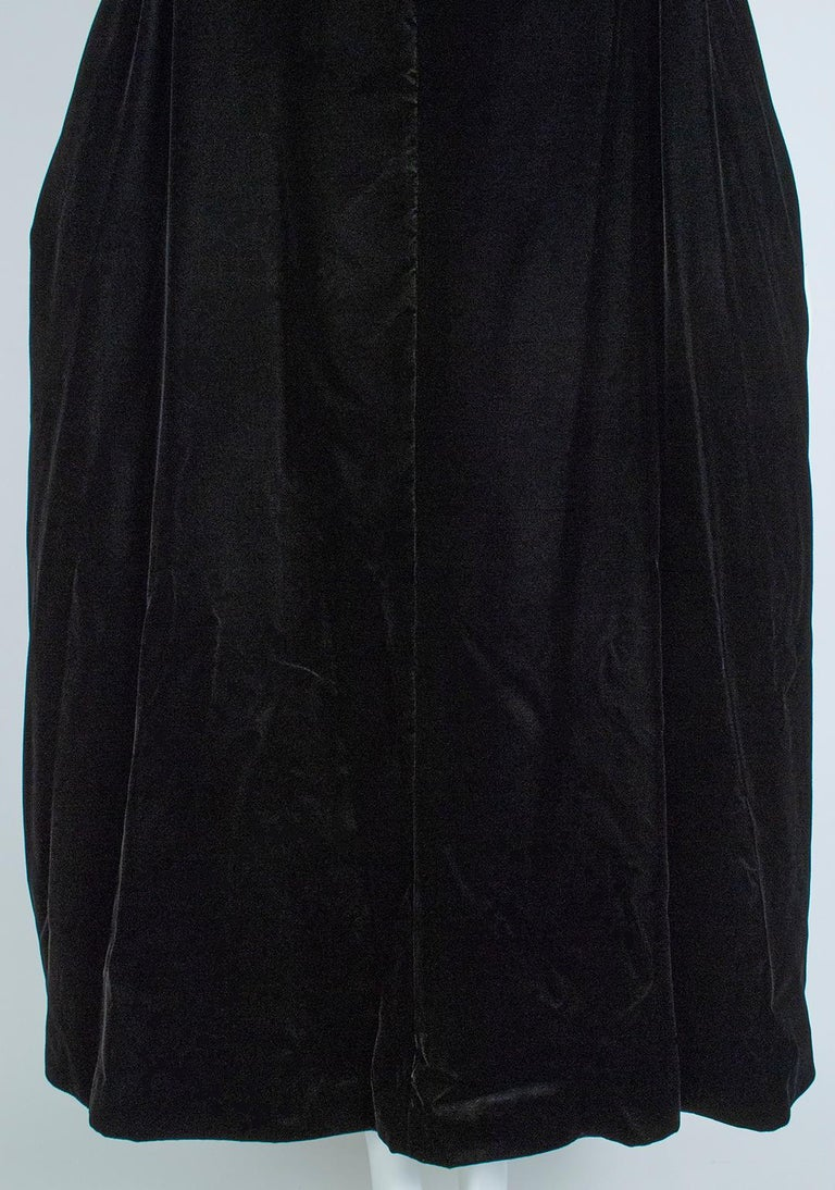 Black Velvet Full-Length Cloak Cape with Ostrich Feather Hood – S, 1960s For Sale 11