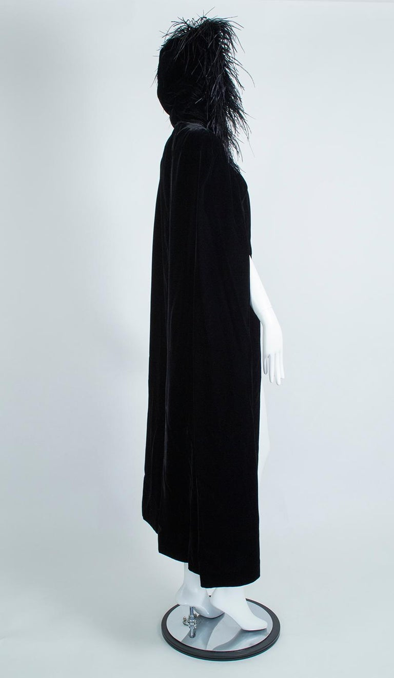 Black Velvet Full-Length Cloak Cape with Ostrich Feather Hood – S, 1960s In Excellent Condition For Sale In Tucson, AZ