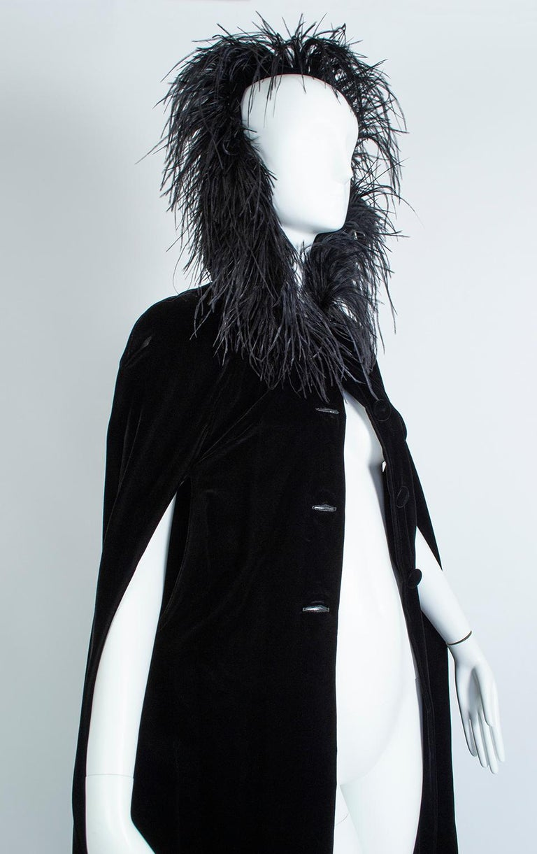 Black Velvet Full-Length Cloak Cape with Ostrich Feather Hood – S, 1960s For Sale 1
