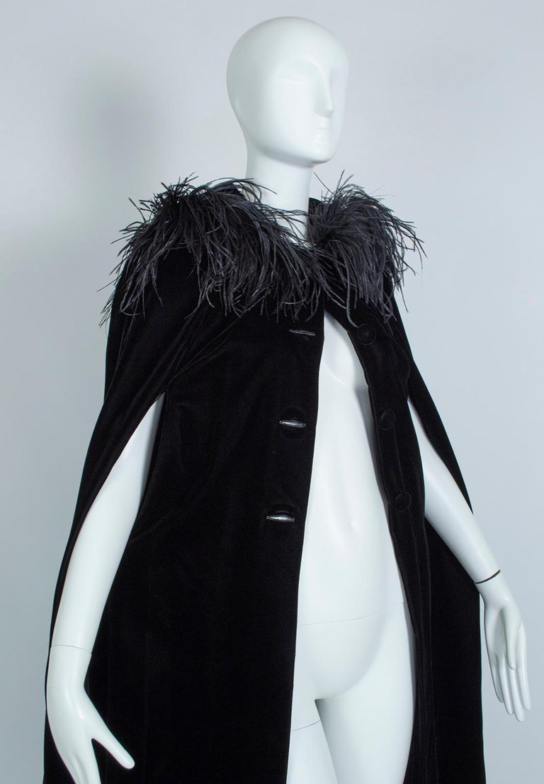 Black Velvet Full-Length Cloak Cape with Ostrich Feather Hood – S, 1960s For Sale 3