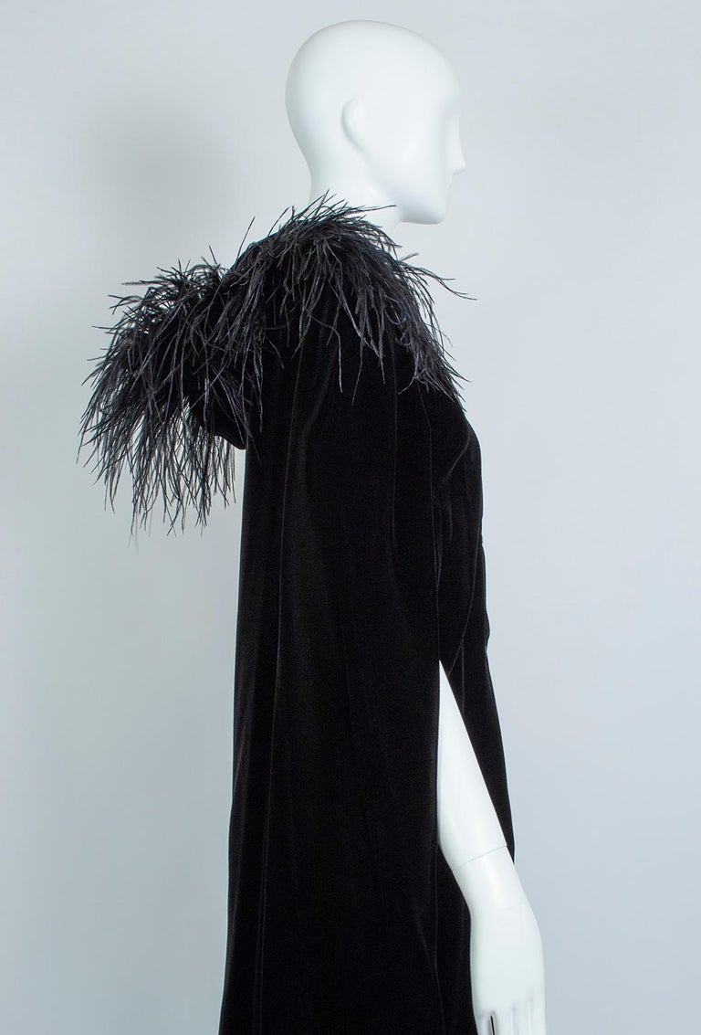 Black Velvet Full-Length Cloak Cape with Ostrich Feather Hood – S, 1960s For Sale 4