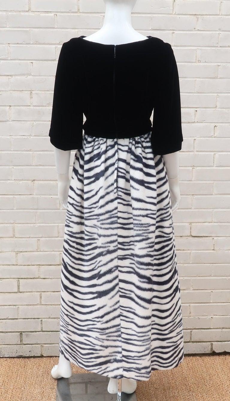 Black Velvet & Zebra Faux Fur Hostess Dress, C.1960 For Sale 6