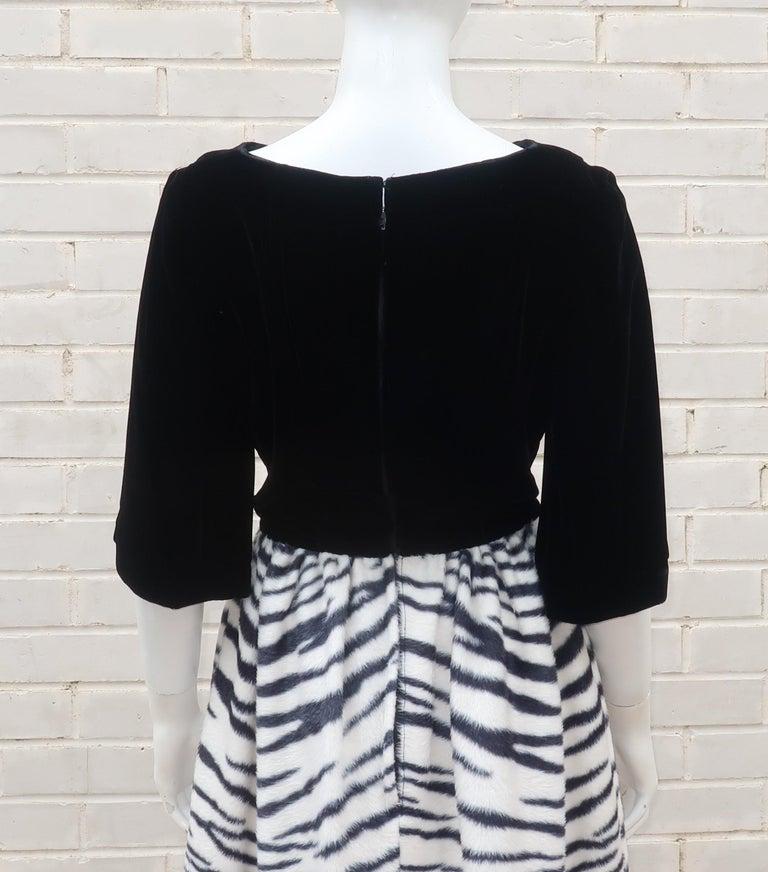 Black Velvet & Zebra Faux Fur Hostess Dress, C.1960 For Sale 7