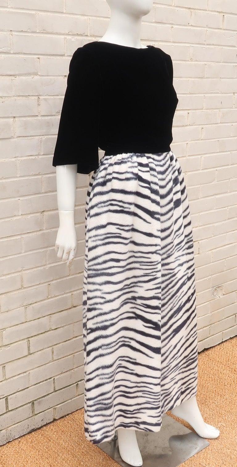 Black Velvet & Zebra Faux Fur Hostess Dress, C.1960 For Sale 1