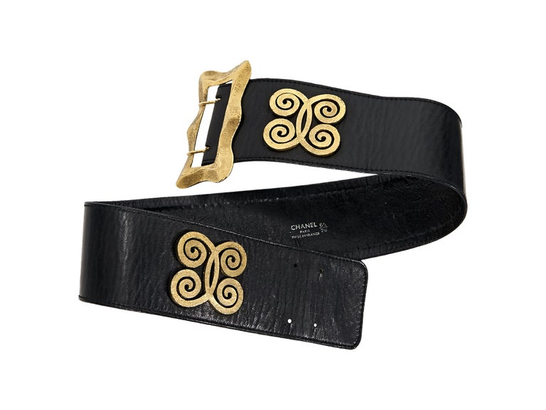 Black Vintage Chanel Wide Butterfly Leather Belt In Good Condition For Sale In New York, NY