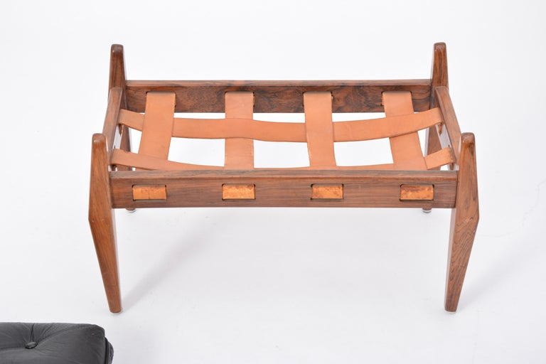 Black Vintage Leather Ottoman or Foot Stool, Attributed to Sergio Rodrigues For Sale 3
