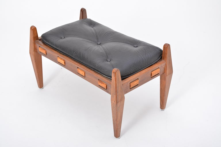 Black Vintage Leather Ottoman or Foot Stool, Attributed to Sergio Rodrigues For Sale 9