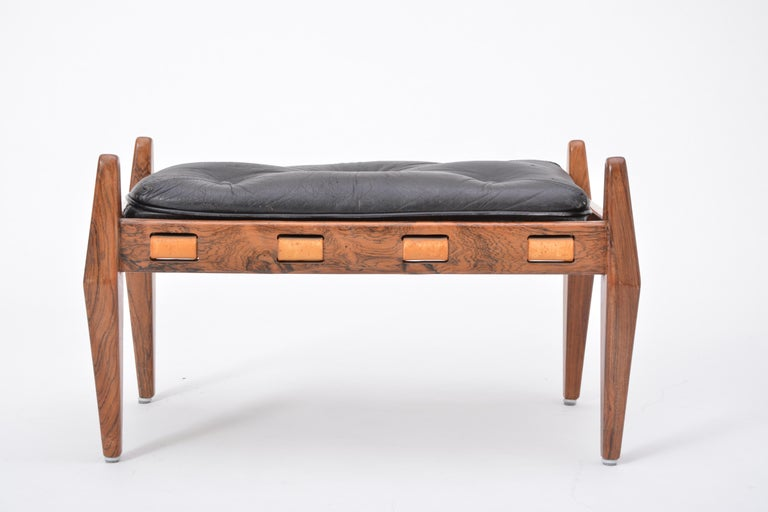 Mid-Century Modern Black Vintage Leather Ottoman or Foot Stool, Attributed to Sergio Rodrigues For Sale