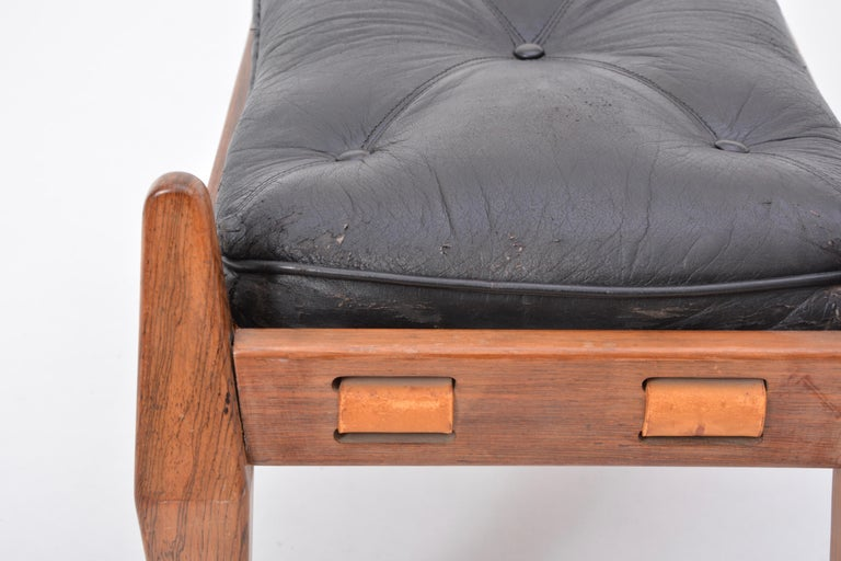 20th Century Black Vintage Leather Ottoman or Foot Stool, Attributed to Sergio Rodrigues For Sale