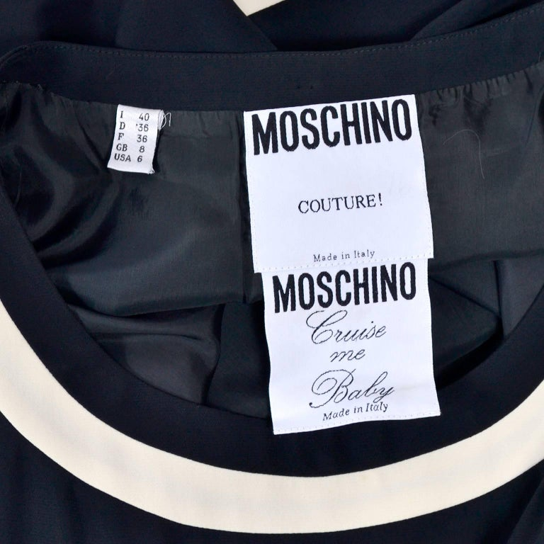 1989 Vintage Moschino Couture Cruise Me Baby Dress in Bold Fleur de Lis Print For Sale 7