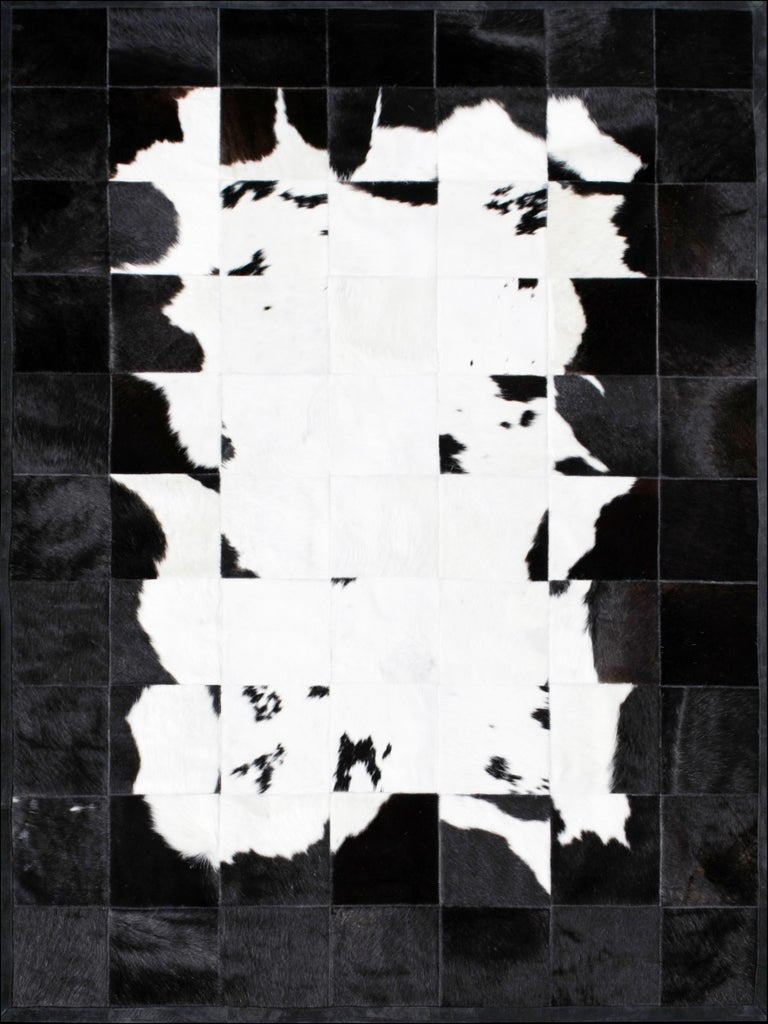 Argentine Black &White Bold Graphic customizable Buenos Aires Cowhide Area Floor Rug Small For Sale