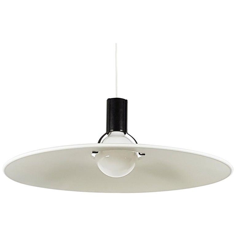 Black & White Metal Mod. 2133 Pendant Lamp, G. Sarfatti for Arteluce Flos, 1970s For Sale