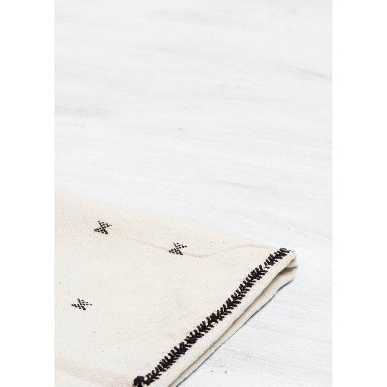 Hand-Woven  AMRO Handloom Throw / Blanket In Organic Cotton For Sale