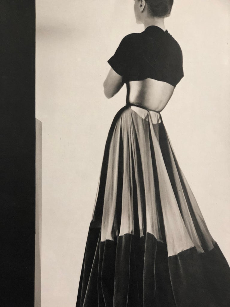 Black and White Photo Lithograph by Maurice Tabard for Harper's Bazaar, 1947 For Sale 5