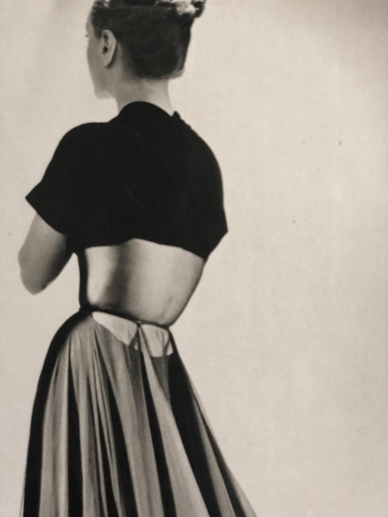 Black and White Photo Lithograph by Maurice Tabard for Harper's Bazaar, 1947 For Sale 3