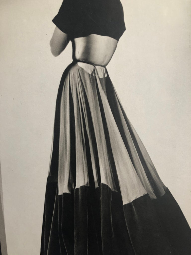 Black and White Photo Lithograph by Maurice Tabard for Harper's Bazaar, 1947 For Sale 6