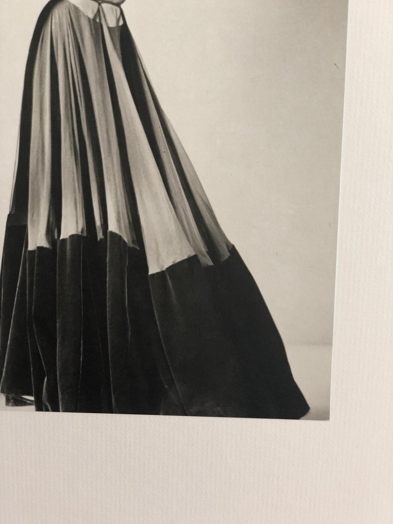 Black and White Photo Lithograph by Maurice Tabard for Harper's Bazaar, 1947 For Sale 11