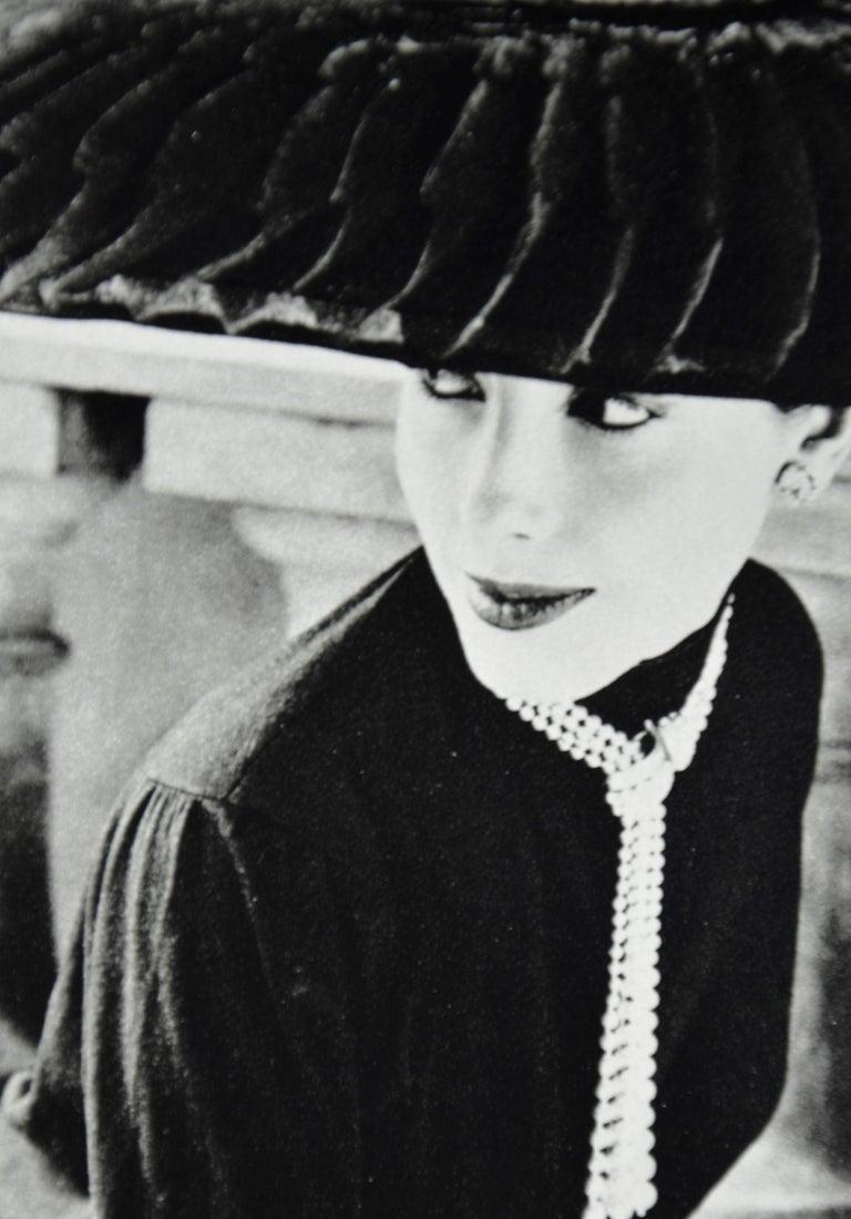 """Black & White Photo Norman Parkinson """"Legroux Soeurs Hat"""" 1952 Sheet-Fed Gravure For Sale 6"""