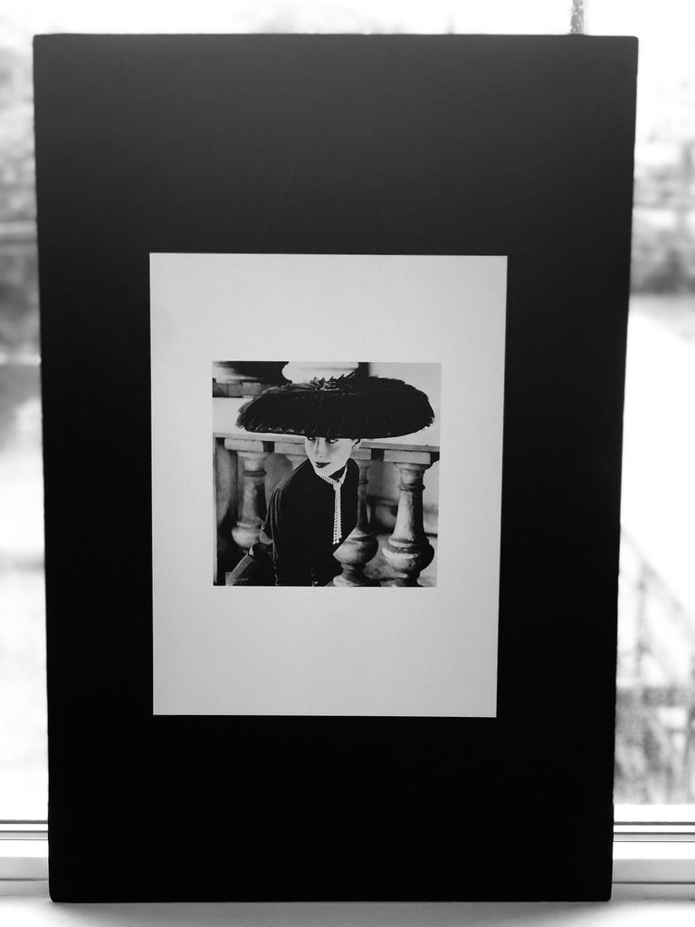 """Black & White Photo Norman Parkinson """"Legroux Soeurs Hat"""" 1952 Sheet-Fed Gravure For Sale 11"""