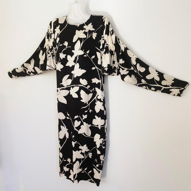 Black White Silk jacquard Butterfly Shift from FLORA KUNG Vintage Sz 6 For Sale 1