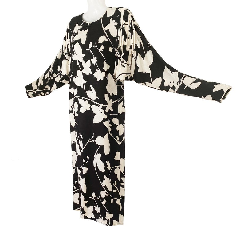Black White Silk jacquard Butterfly Shift from FLORA KUNG Vintage Sz 6 For Sale 2