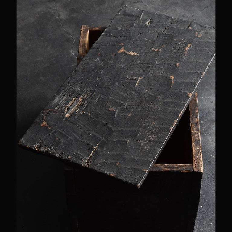 Black Wooden Box from the Edo Period '18th-19th Century' in Japan For Sale 4