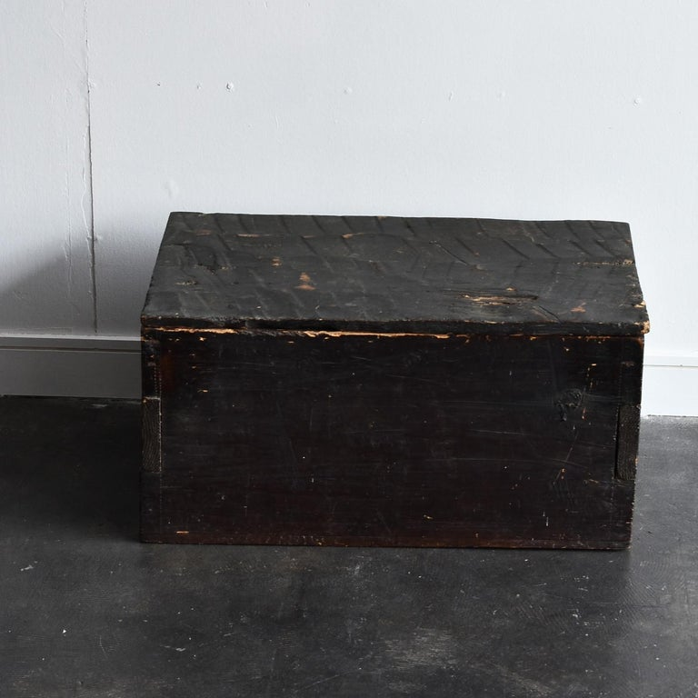 Black Wooden Box from the Edo Period '18th-19th Century' in Japan For Sale 10