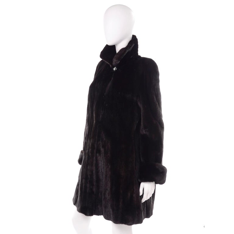 Blackglama Dark Ranch Mink Coat  In Excellent Condition For Sale In Portland, OR