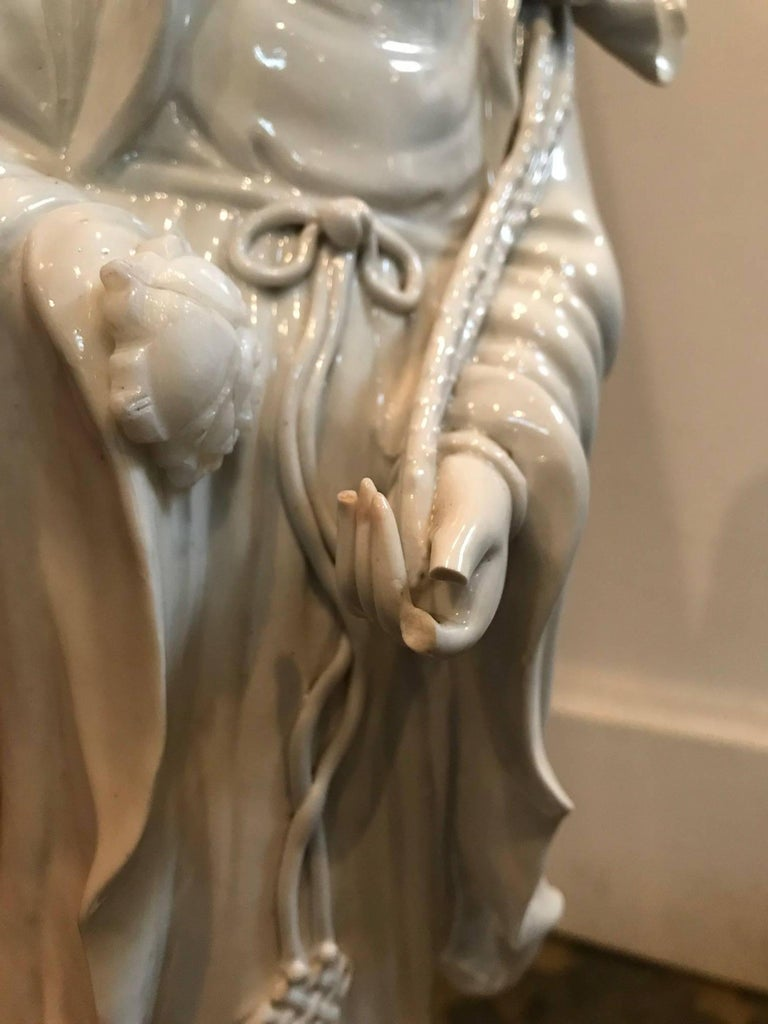 Fine Dehua, Blanc de Chine, Quan Yin Porcelain Figure In Excellent Condition For Sale In Dallas, TX